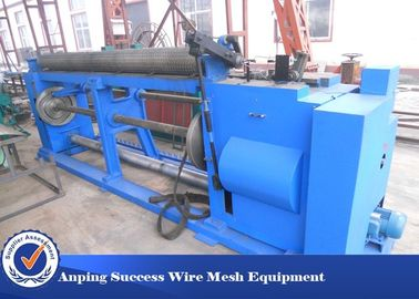 China Hot Dipped Hexagonal Wire Netting Machine With Low Carbon Steel Wire 38 Mesh / Min factory