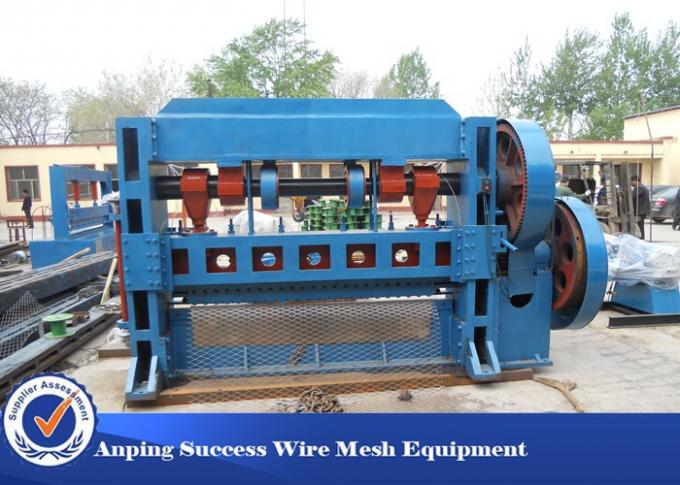 Different Type Perforated Metal Machine , Expanded Metal Wire Welding Machine